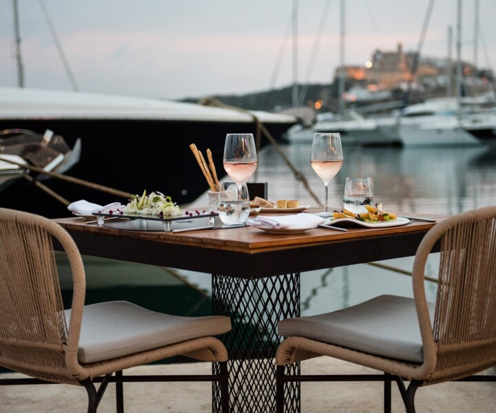 Looking for fine dining in Ibiza one is spoilt for choice.  Hardly the most original opening line for an article on restaurants, but sometimes the truth is that simple.   For a small island, Ibiza sure packs a punch in the fine dining stakes.
